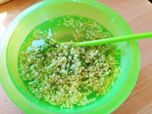 Holunderblüten Sirup zubereiten, Rezept aus der Van Küche von Vroni's Vanlife