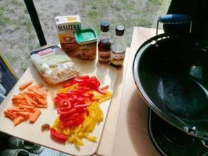 Wok-Pfanne, Zutaten, Rezept aus der Van Küche von Vroni's Vanlife